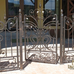 A wrought iron gate with a trace of romance - A luxury gate